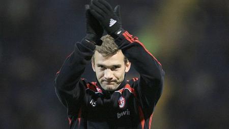 Legenda AC Milan, Andriy Shevchenko, juga menurunkan bakat bermain sepak bola ke putranya, Kristian. Adam Davy - EMPICS/PA Images via Getty Images. - INDOSPORT