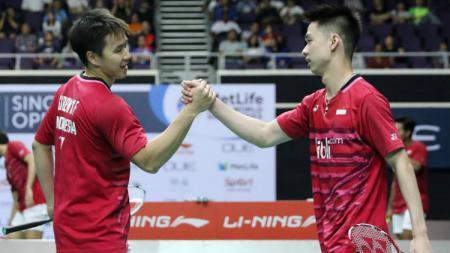 Kevin Sanjaya Sukamuljo/Marcus Fernaldi Gideon beraksi dalam Singapore Open 2017. - INDOSPORT