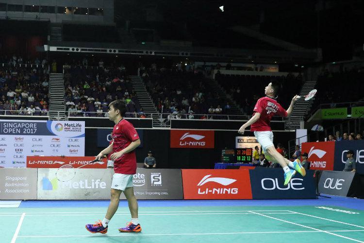 Kevin Sanjaya Sukamuljo/Marcus Fernaldi Gideon beraksi dalam Singapore Open 2017. Copyright: Humas PBSI