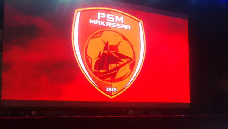 Logo PSM Makassar saat diperkenalkan lewat layar besar dalam acara launching tim. Copyright: Muhamad Nur Basri/INDOSPORT
