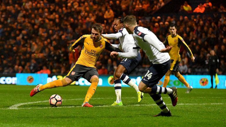 Arsenal saat melawan Preston North End. Copyright: SkySports