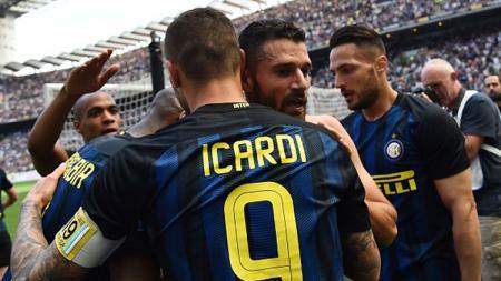 Selebrasi pemain Inter Milan setelah Antonio Candreva membobol gawang AC Milan. - INDOSPORT