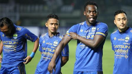 Para pemain Persib Bandung jelang menghadapi Arema FC pada laga pembuka Liga 1 di Stadion Gelora Bandung Lautan Api (GBLA), Sabtu (15/04/17).