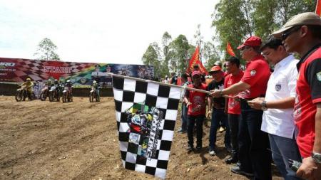 Kompetisi balap motor trail di Aceh yang digelar TNI Angkatan Darat. - INDOSPORT