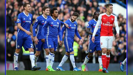 AC Milan berniat mendatangkan salah satu bintang Chelsea pada bursa transfer musim panas 2017. - INDOSPORT