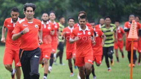 Macan Kemayoran hanya melakukan latihan ringan yang dipimpin pelatih Stefano Cugurra Teco. - INDOSPORT