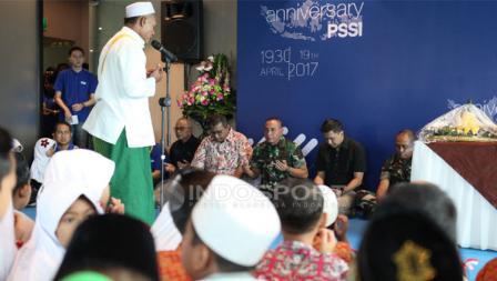 PSSI mengadakan doa bersama anak yatim piatu dalam perayaan HUT.