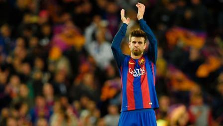 Bek tengah Barcelona, Gerard Pique memberikan ucapan terima kasih untuk fans Barcelona.