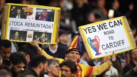 Salah satu fans Barcelona tiada henti memberikan dukungan dan tetap percaya jika klub kesayangannya dapat lolos ke final.