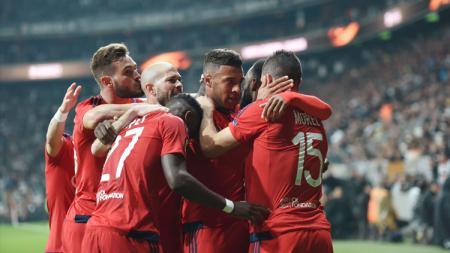 Perayaan kemenangan Lyon usai kalahkan Besiktas di perempatfinal Liga Europa. - INDOSPORT