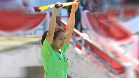 Suka Duka Deliana Fatmawati, Kartini Sepak Bola Indonesia Saat Menjadi Wasit - INDOSPORT