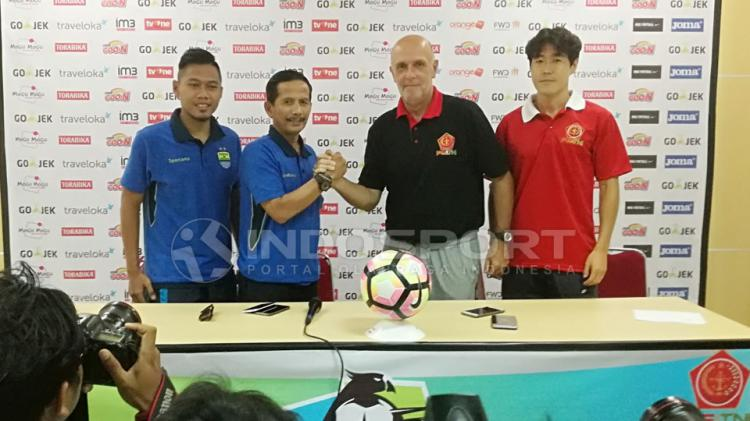 PS TNI vs Persib Bandung Copyright: Zainal Hasan/Indosport