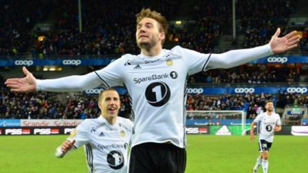 Pemain anyar Rosenborg, Nicklas Bendtner. - INDOSPORT