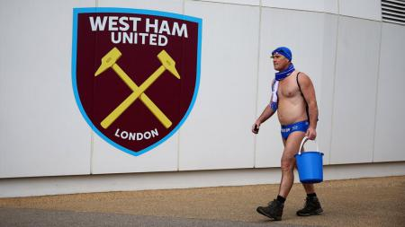 Speedo Mick, Fans Everton - INDOSPORT