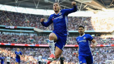 Eden Hazard dan Diego Costa melakukan selebrasi. - INDOSPORT