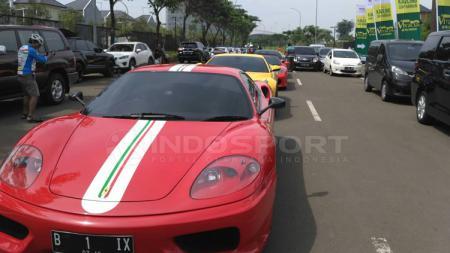 DeretanFerrari Indonesia merayakan ulang tahun yang ke-70 di kawasan Bumi Serpong Damai (BSD), Tangerang, Banten. - INDOSPORT