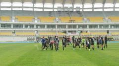 Indosport - PSM Makassar jalani latihan di Stadion Aji Imbut.