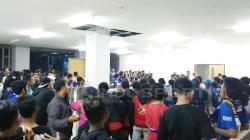 Bobotoh penuhi area media center dan mix zone Stadion Pakansari, Bogor.