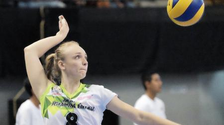 Pemain tim Jakarta Pertamina Energi, Anna Stepaniuk (Ukraina). - INDOSPORT