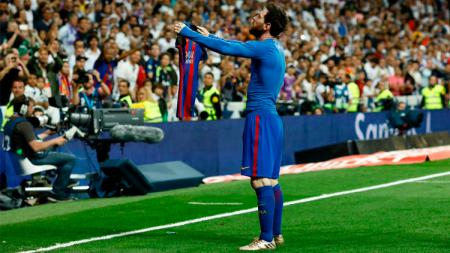 Selebrasi Messi usai cetak gol ke gawang Madrid. - INDOSPORT