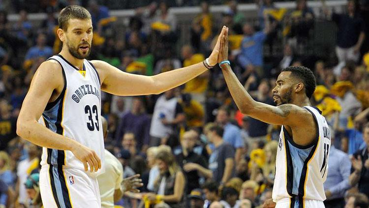 Marc Gasol dan Mike Conley . Copyright: givemesport