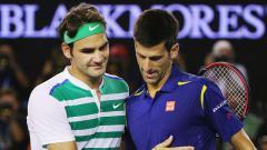 Indosport - Roger Federer dan Novak Djokovic.