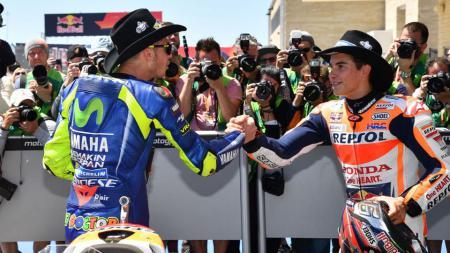 Valentibo Rossi dan Marc Marquez - INDOSPORT