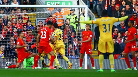 Ekspresi kekecewaan Emre Can setelah gawang Liverpool kebobolan. - INDOSPORT