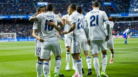 Skuat Real Madrid merayakan gol yang dicetak oleh James Rodriguez. - INDOSPORT