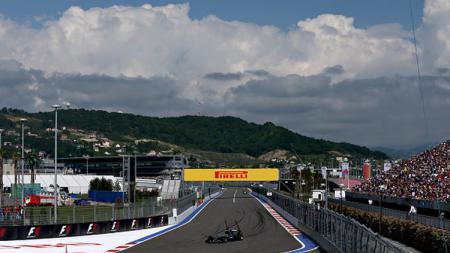 Gelaran F1 GP Rusia yang akan dilangsungkan pada 27 September mendatang di Sochi Autodrom menargetkan kehadiran 30 ribu penonton. - INDOSPORT