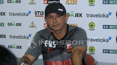Gomes de Oliveira, pelatih Madura United. - INDOSPORT