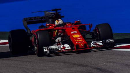 Sebastian Vettel mencatat waktu tercepat di FP 2 GP Rusia 2017. - INDOSPORT