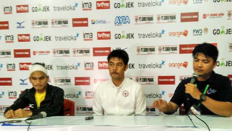 Riko Simanjuntak dan Nilmaizar saat mewakili Semen Padang dalam konferensi pers jelang hadapi Persipura. Copyright: Taufik Hidayat/INDOSPORT