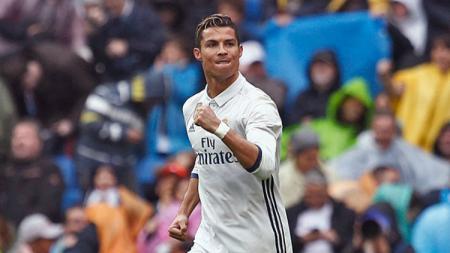 Cristiano Ronaldo selebrasi usai menjebol gawang Valencia. - INDOSPORT