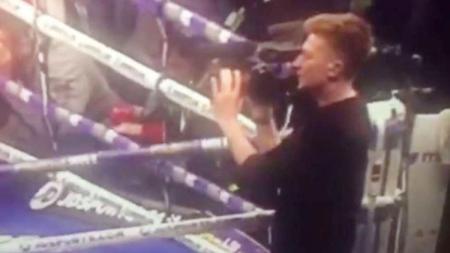 Kameramen yang meliput pertarungan Anthony Joshua melawan Wladimir Klitschko. - INDOSPORT