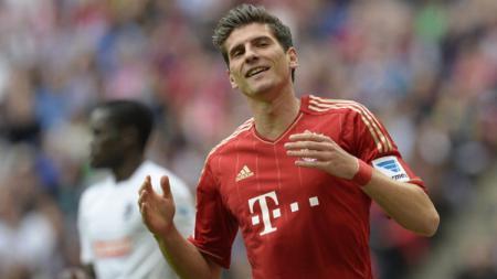 Mantan bintang Bayern Munchen, Mario Gomez, mengumumkan gantung sepatu usai membantu timnya VfB Stuttgart promosi ke kompetisi Bundesliga Jerman musim depan. - INDOSPORT