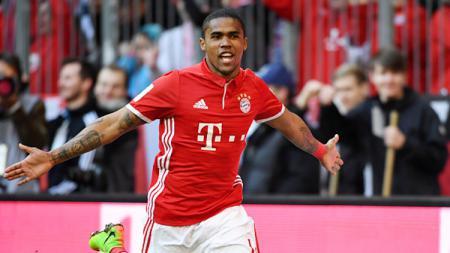 Lebih memilih Zlatan Ibrahimovic daripada Romelu Lukaku, winger Bayern Munchen kirim kode untuk merapat ke AC Milan. - INDOSPORT