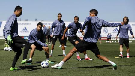 Latihan Rondo skuat Real Madrid. - INDOSPORT