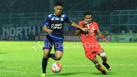 Hanif Sjahbandi, gelandang tengah Arema FC. - INDOSPORT