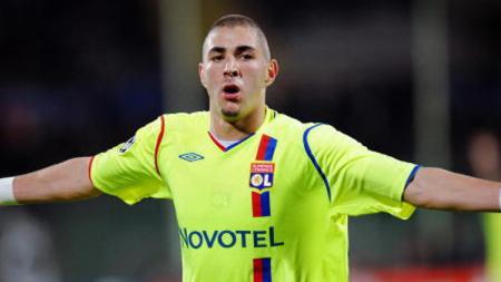 Karim Benzema saat masih berseragam Olympique Lyon. - INDOSPORT