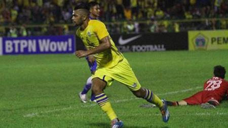 Penyerang asing Persegres Gresik United, Patrick da Silva. - INDOSPORT