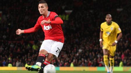 Federico Macheda saat menendang bola tatkala membela Manchester United. - INDOSPORT