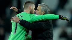 Indosport - David de Gea disebut ingin mengetahui kelanjutan masa depan Jose Mourinho sebelum memperpanjang kontrak bersama Manchester United.