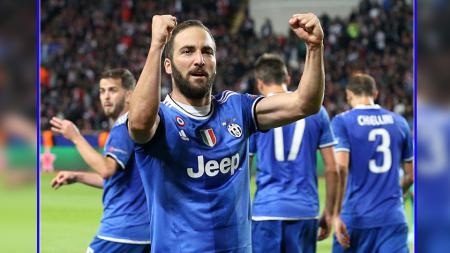 Selebrasi striker Juventus, Gonzalo Higuain usai mencetak gol ke gawang AS Monaco, Kamis (04/05/17). - INDOSPORT