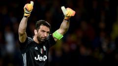 Indosport - Usai dikalahkan oleh Napoli, Gianluigi Buffon lakukan aksi berkelas.