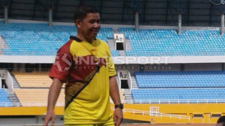 Selain kedatangan pemain baru, Persita Tangerang juga diperkuat asisten pelatih baru yakni Francis Wewengkang. - INDOSPORT
