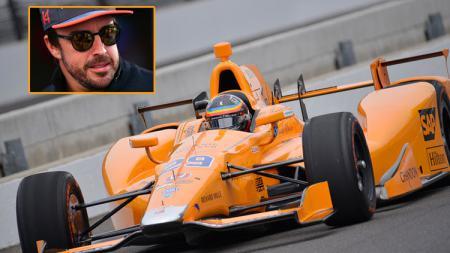 Fernando Alonso ketika menjajal mobil Indy 500 - INDOSPORT