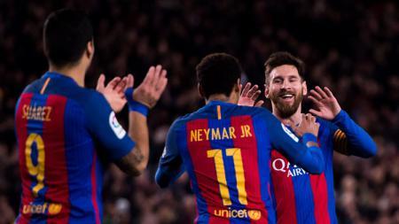 Selebrasi para pemain Barcelona usai mengalahkan Villarreal. - INDOSPORT