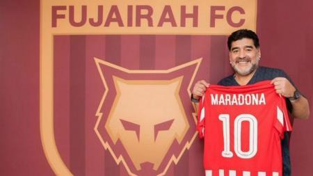 Diego Maradona akan melatih Al Fujairah. - INDOSPORT