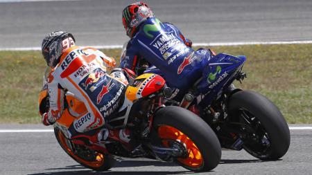 Marc Marquez dan Maverick Vinales dalam tes di Sirkuit Jerez. - INDOSPORT